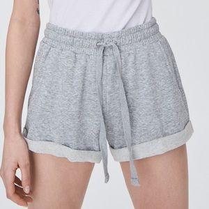 Aritizia community size medium gray shorts.